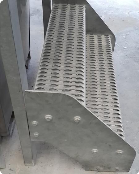 304不锈钢鳄鱼嘴踏板图